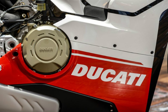 choang ngop ducati panigale v4 speciale ve viet nam gia 2 ty dong hinh anh 4