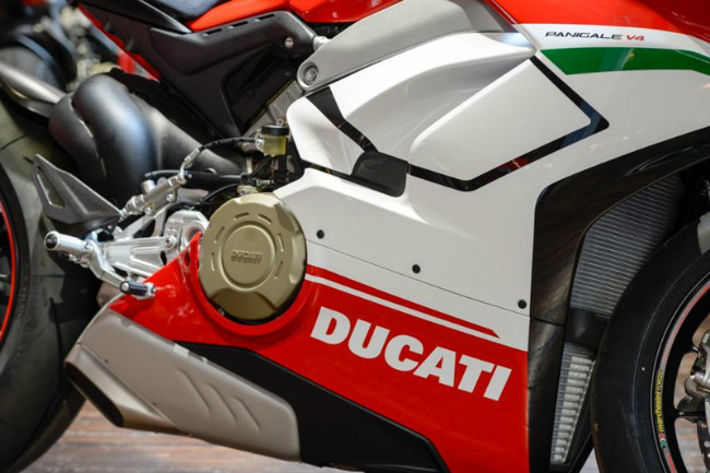choang ngop ducati panigale v4 speciale ve viet nam gia 2 ty dong hinh anh 5