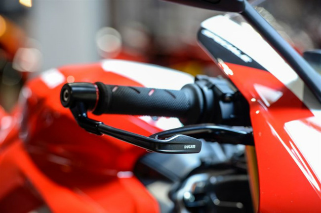 choang ngop ducati panigale v4 speciale ve viet nam gia 2 ty dong hinh anh 8