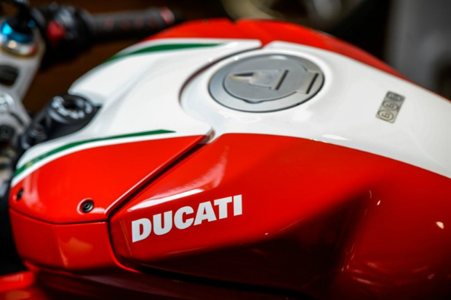 choang ngop ducati panigale v4 speciale ve viet nam gia 2 ty dong hinh anh 9