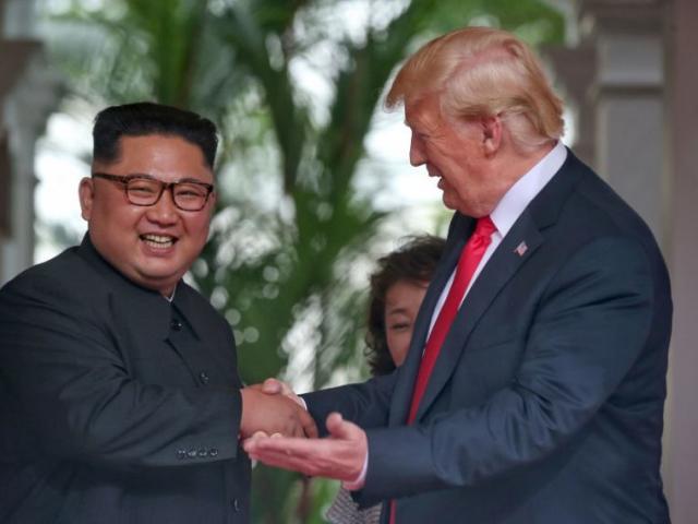 Kim Jong-un biết tiếng Anh nhưng làm như không biết?