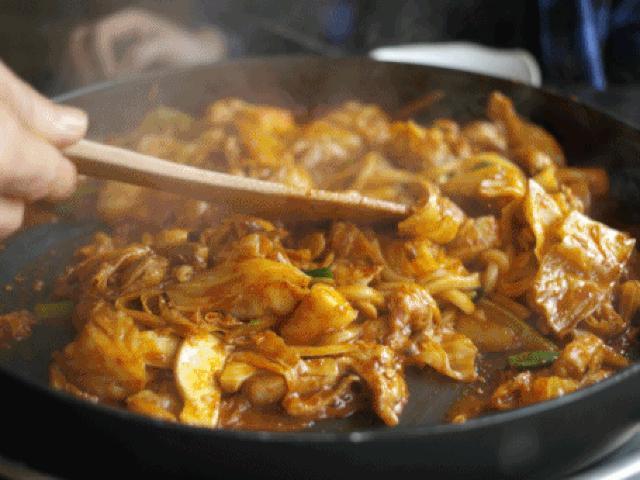 9 món ăn đường phố đậm chất Hàn Quốc bạn khó có thể bỏ qua