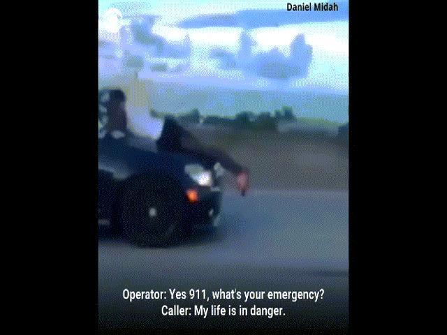 Video: Bám trên nóc capo chiếc xe của chính mình lao vút trên đường