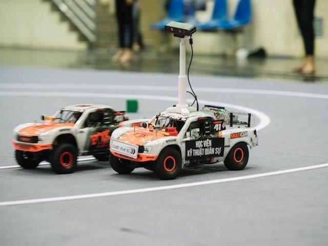 """Thử thách lập trình xe tự hành cực """"khó gặm"""" trong cuộc thi Cuộc đua số mùa 3"""