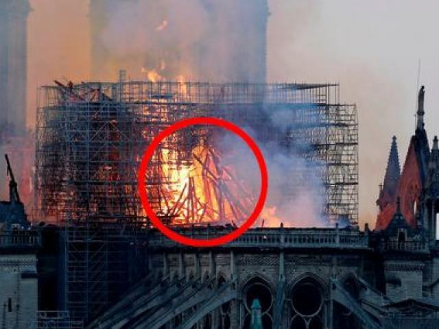 Nhìn thấy hình ảnh giống Chúa Jesus trong đám cháy Nhà thờ Đức bà Paris?