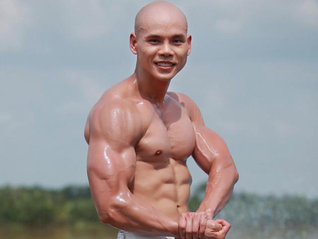 """Các """"người hùng The Rock Việt"""": Phan Đinh Tùng, Văn Sơn... cơ bắp như tượng"""