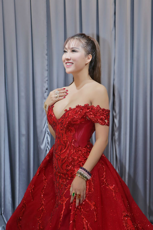 ca si thu thuy, phi thanh van... tiet lo ly do tham my co the hinh anh 16