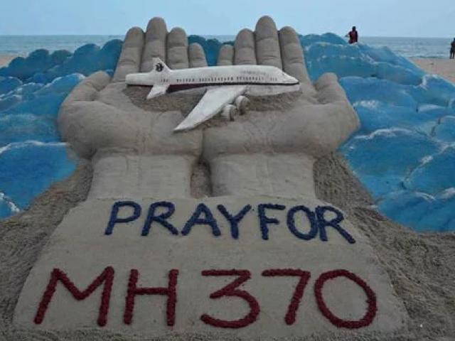 """MH370 bị hành khách """"vô cùng chuyên nghiệp"""" đánh cắp?"""