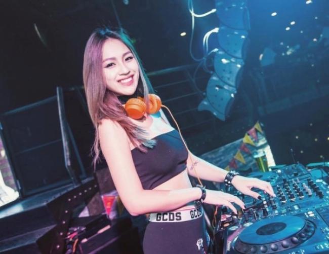 4 nữ DJ Việt xinh đẹp nhất, người số 4 xứng đáng 'Hoa hậu làng nhạc sàn'