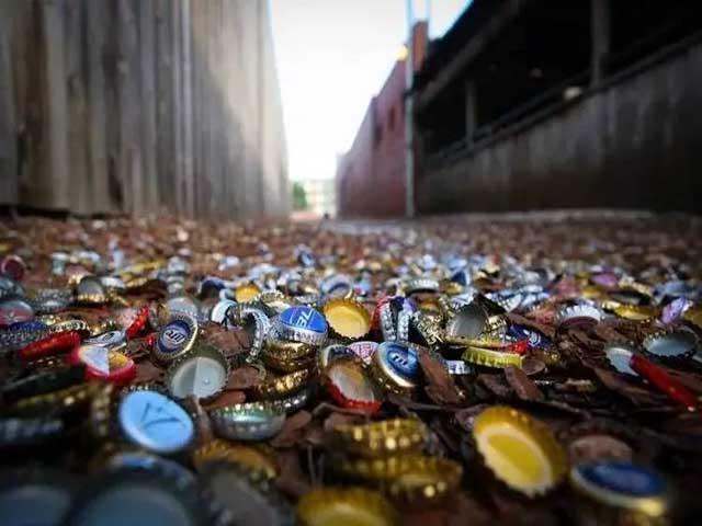 """Con hẻm nắp chai độc lạ khiến nhiều người đổ xô đến xem, doanh nghiệp thì xem nó là """"mỏ vàng"""""""