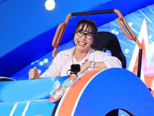 """Bất ngờ """"rinh"""" giải thưởng 100 triệu đồng, Ốc Thanh Vân phải xin thuốc bổ não"""