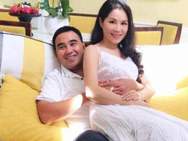 """Vợ MC Quyền Linh: """"Chồng tôi không giải nghệ, vẫn đi làm bình thường"""""""