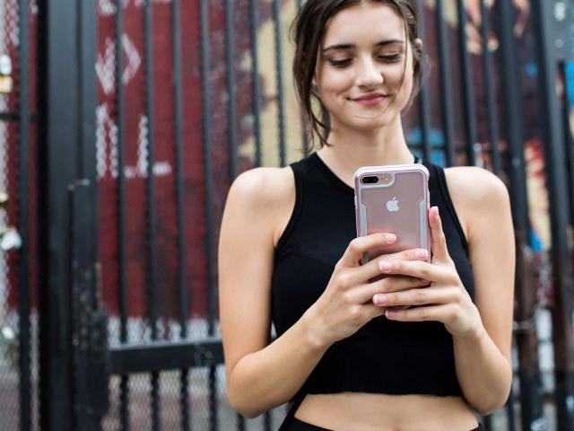 Có 15 triệu nên mua iPhone 7 Plus mới hay iPhone X cũ?