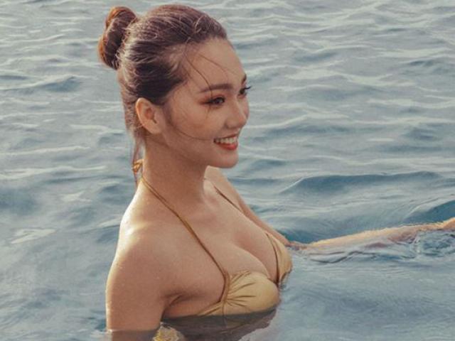 Bạn gái tin đồn của tiền vệ Văn Đức gợi cảm với loạt ảnh bikini