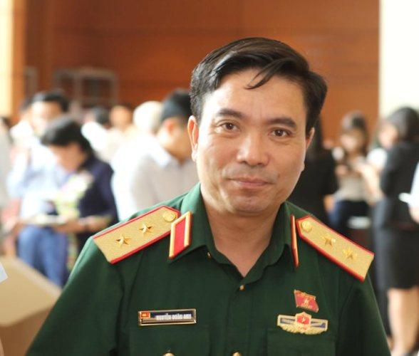 Chủ Tịch Nước Thăng Quan Ham Trung Tướng Cho Tư Lệnh Quan Khu 4