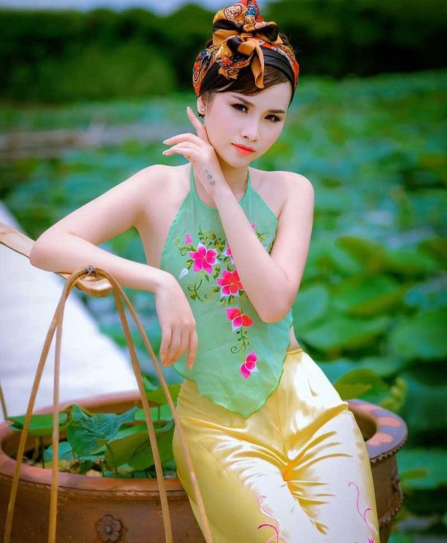 tranh cai chuyen mac yem mong tang, khong phong ho, lo ao lot... hinh anh 17