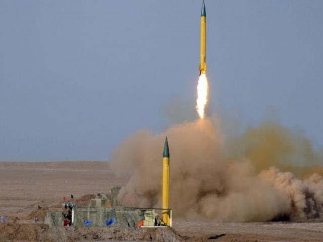 """Uy lực vượt trội so với Iran, vì sao Mỹ """"chùn tay"""" chưa dám tấn công?"""