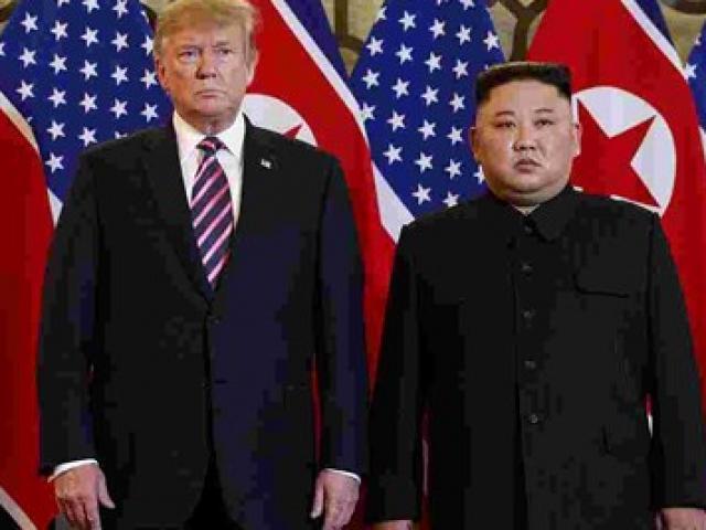 """Tổng thống Trump gửi bức thư """"tuyệt vời và thú vị"""" cho Chủ tịch Kim Jong-un"""