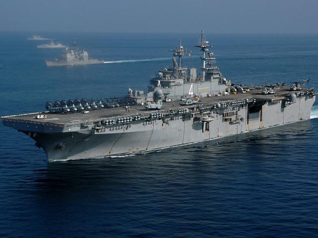 Hàng ngàn binh sĩ Mỹ cùng nhóm tàu đổ bộ áp sát Iran