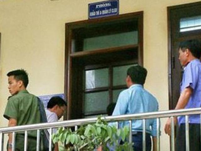 Sơn La: Một thí sinh cầm 2 điện thoại vào phòng thi THPT quốc gia