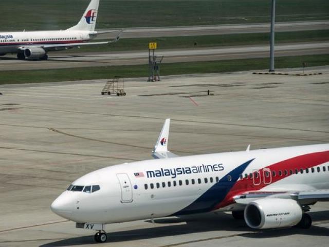 """Tìm được """"thông điệp cuối cùng"""" của hành khách MH370 trôi dạt trên biển?"""