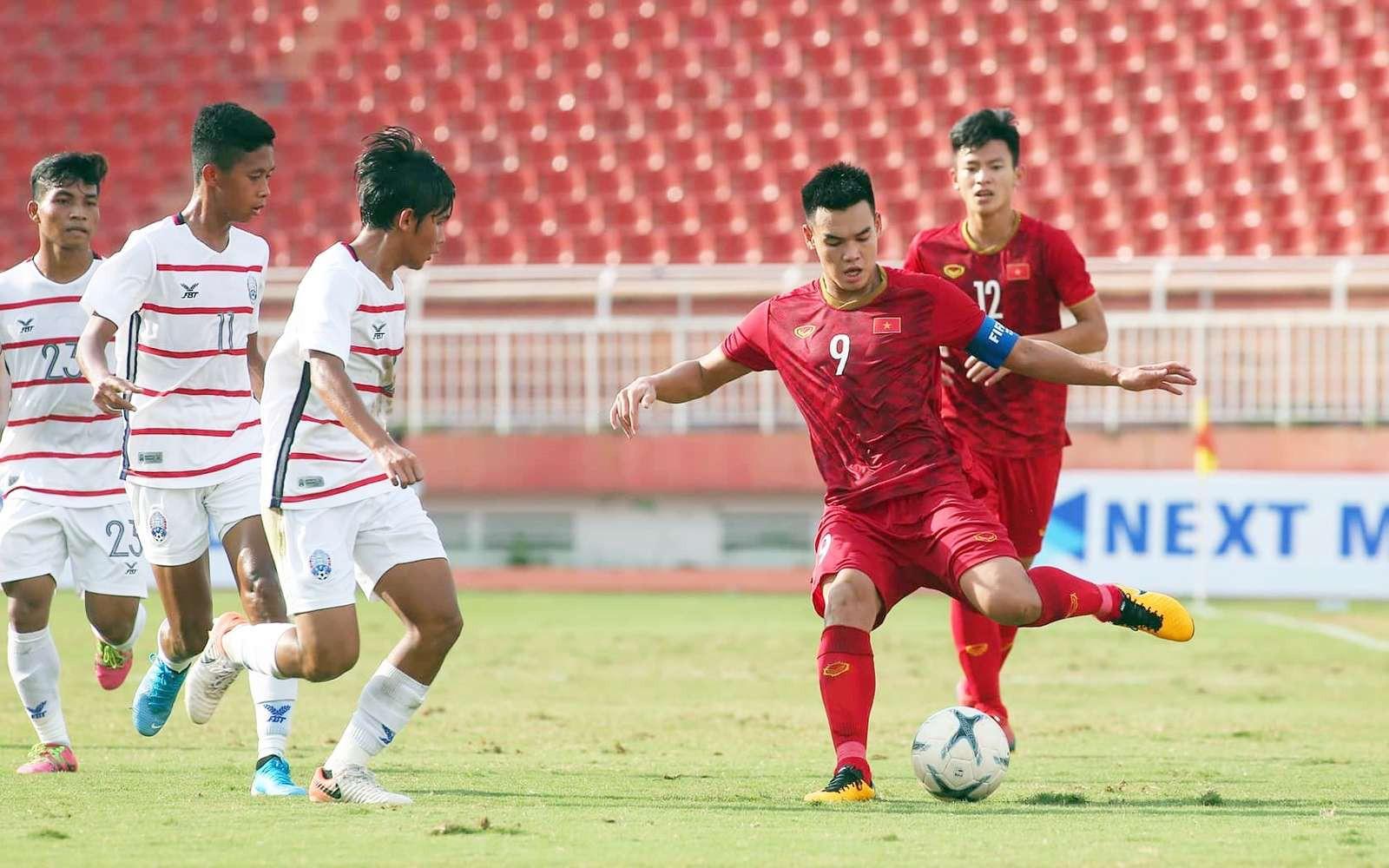 HLV Hoàng Anh Tuấn chỉ ra nguyên nhân Việt Nam thua sốc Campuchia - Ảnh 2.