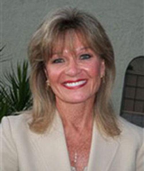 Joan E. Cooke đã đi gặp mặt tổng cộng 13 người đàn ông  với hy vọng tìm được một nửa của mình.