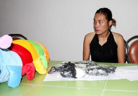 Liên cùng số ma túy bị bắt giữ.
