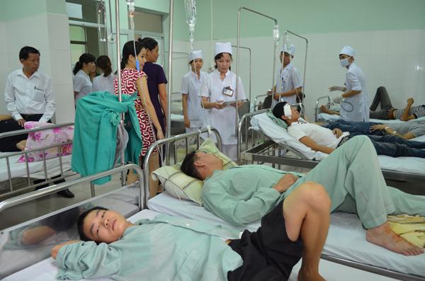 Các nạn nhân được cấp cứu tại bệnh viện đã khoa Móng Cái.