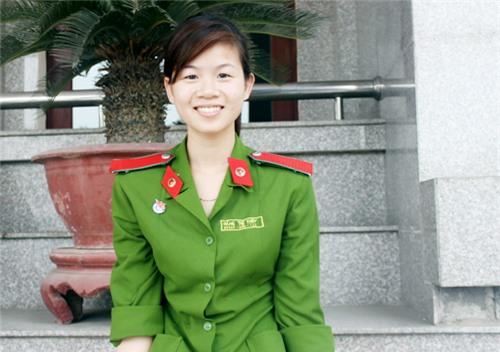 Nữ thủ khoa kép xinh đẹp của Học viện Cảnh sát