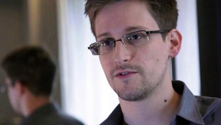 Cựu tình báo Mỹ Edward Snowden
