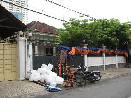 Căn nhà số 01 và 01A Tăng Bạt Hổ, phường 12, quận 5, TP.HCM.