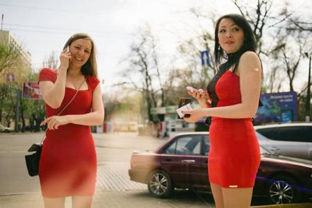 """Các cô gái Odessa chờ gặp khách """"Tây"""""""
