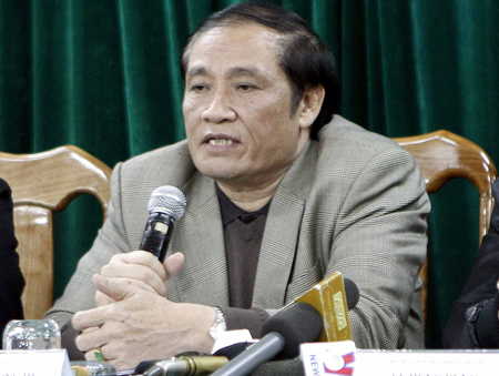 Chủ tịch VFF Nguyễn Trọng Hỷ khuyên XMXT.Sài Gòn nên hành xử theo luật chứ không nên bỏ giải