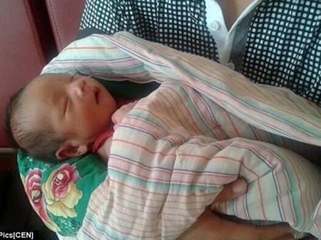 Con trai mới sinh của Dong Wan