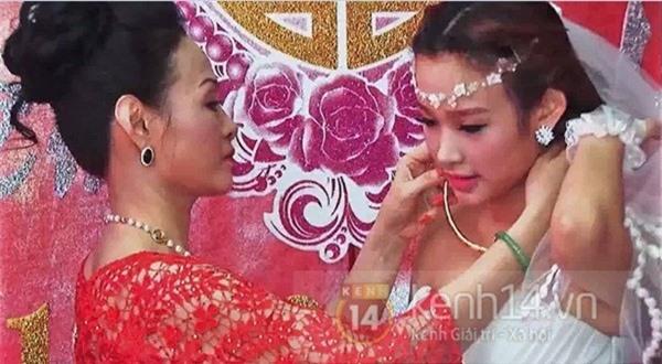 Lộ clip dàn xe sang rước dâu trong lễ cưới hot girl Huyền Baby 2