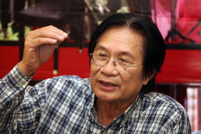 Nhạc sĩ Dương Thụ tại buổi họp báo chương trình hòa nhạc Điều còn mãi sáng ngày 28.08 tại Hà Nội
