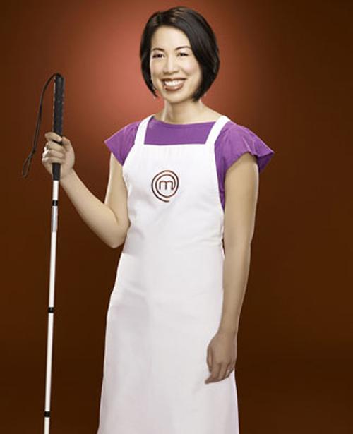 Cô gái khiếm thị Christine Hà trở thành Vua đầu bếp Mỹ vào tháng 9 năm 2012.