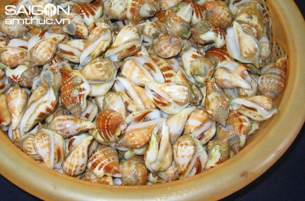 Thịt ốc nhảy thơm ngon, béo béo, càng nhai càng ngọt đến … nao cả lòng, tê cả lưỡi, lịm cả răng - Ảnh: Trần Cao Duyên