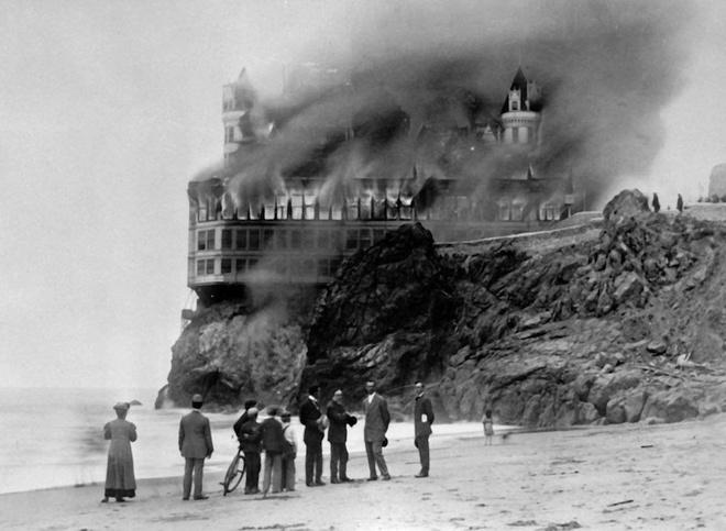 nhà hàng 157 năm ở San Francisco đóng cửa vĩnh viễn 147107468343351-cliff-house-4