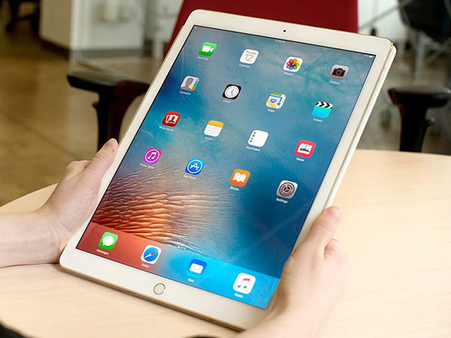 """Dùng Force Quit để tắt """"nóng"""" ứng dụng trên iPad chạy iOS 11"""