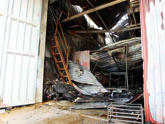 Vụ cháy xưởng bánh kẹo 8 người chết: Bắt khẩn cấp thợ hàn