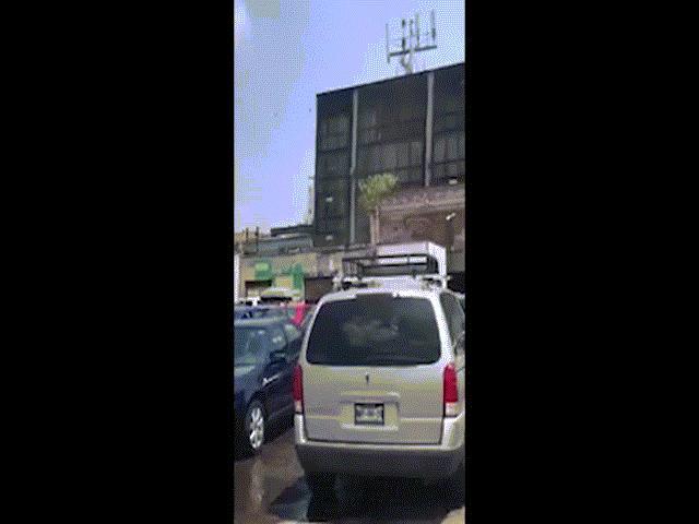 Video: Hàng loạt tòa nhà lắc lư, đổ sập vì động đất Mexico