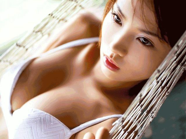Nỗi khổ các nàng ngực bự không biết thổ lộ cùng ai