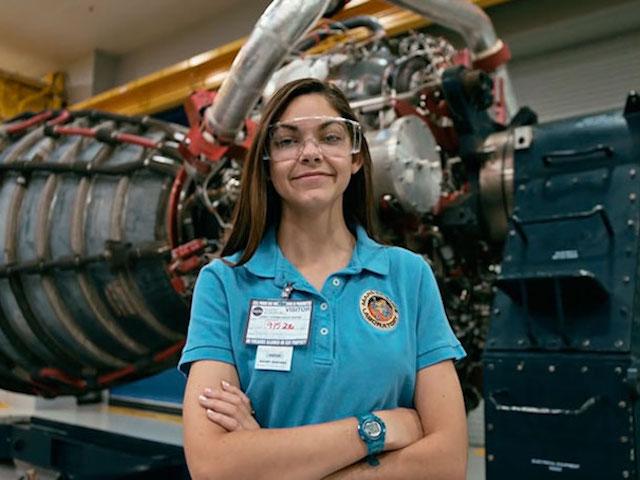 Một cô gái 17 tuổi sẽ trở thành người đầu tiên đặt chân lên sao Hỏa