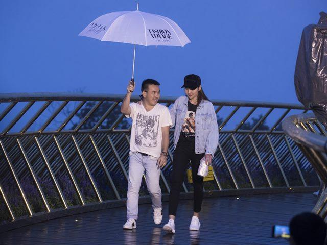 Thanh Hằng dầm mưa tổng duyệt thời trang trên cây cầu Vàng