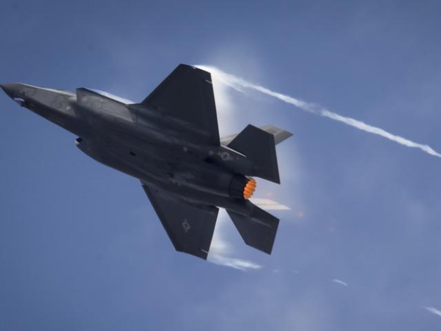 """""""Rồng lửa"""" S-400 Nga có thể khuất phục F-35 Mỹ nhờ Thổ Nhĩ Kỳ?"""