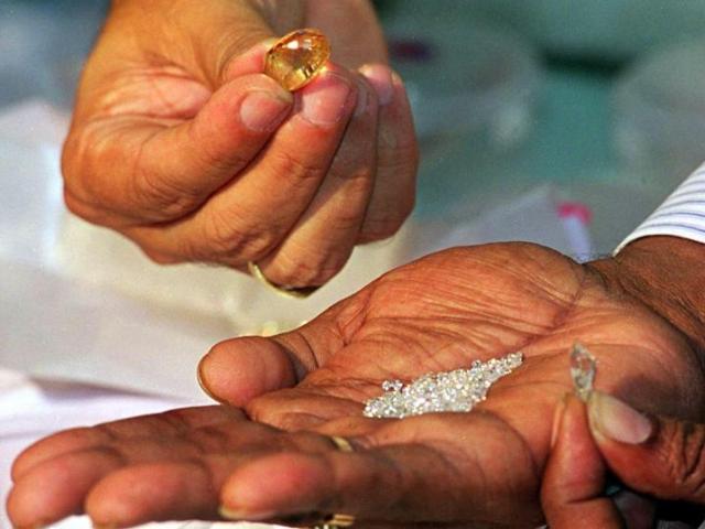 Phát hiện 1 ngàn triệu triệu tấn kim cương, có thể phá hủy kinh tế thế giới?
