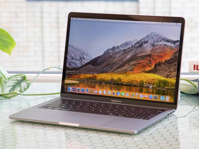 """MacBook Pro 2018 """"ngọt"""" hơn nhiều so với phiên bản 2017"""