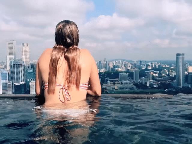 Những bể bơi không những sang chảnh mà còn độc đáo bậc nhất hành tinh